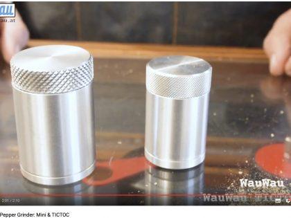 WauWau Travel Pepper Grinder: Mini & TICTOC